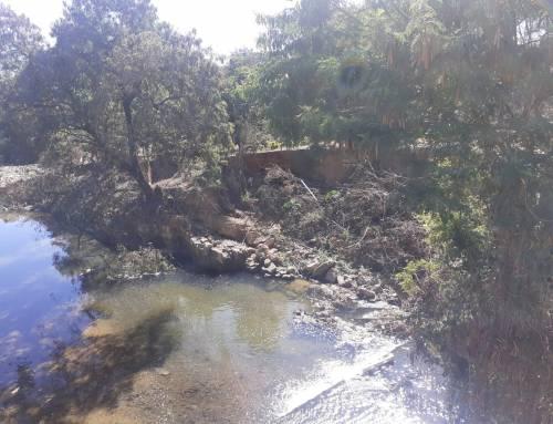 Vistoria em área no córrego do Piçarrão sob risco de erosão no Jardim Garcia